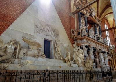 tomba antonio canova basalica dei frari venezia